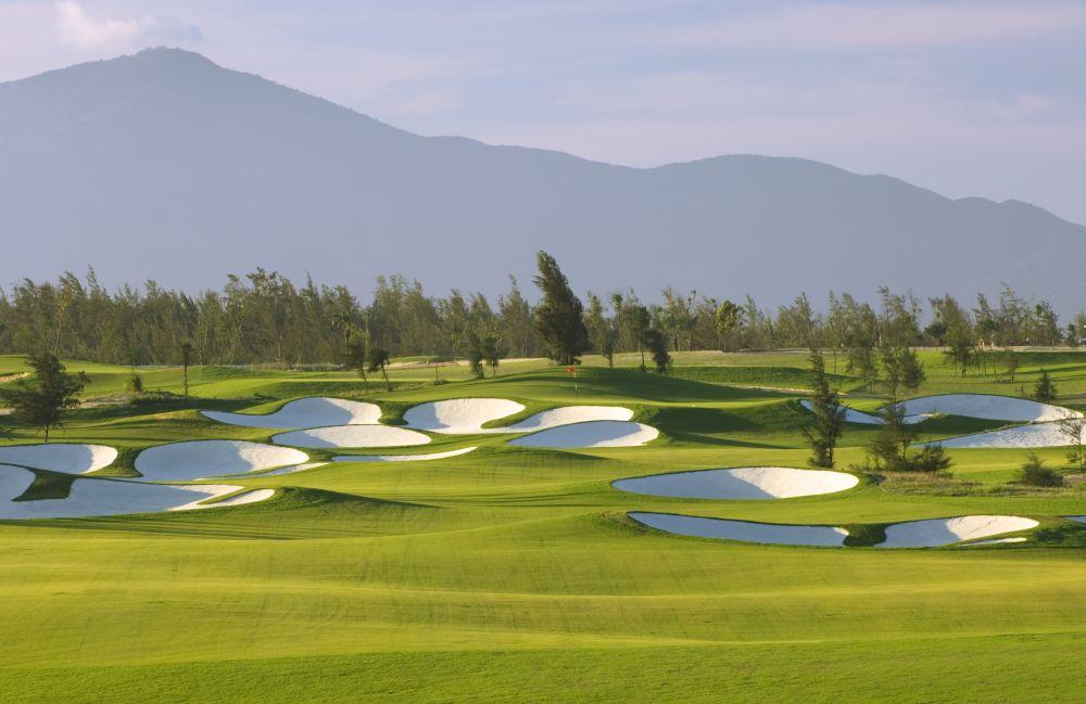 Kết quả hình ảnh cho Montgomerie Golf Club vietnam